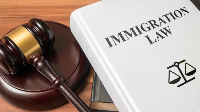 Latest Anti-immigrant Order Will Prevent Arizona Dreamers to Access Social Benefits